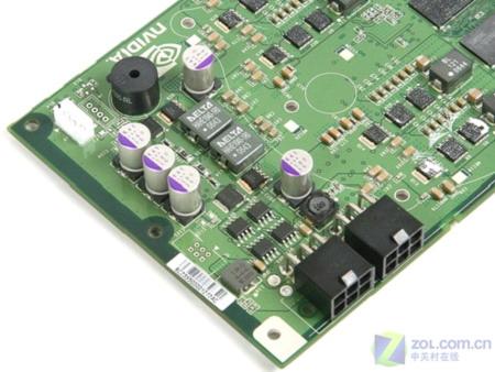 显卡的供电部分(点击放大); xfx讯景 8800gtx(t80f-shd)双卡器材大图